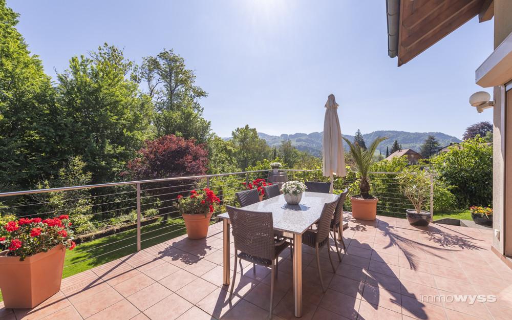 Terrasse mit wunderschöner Fernsicht