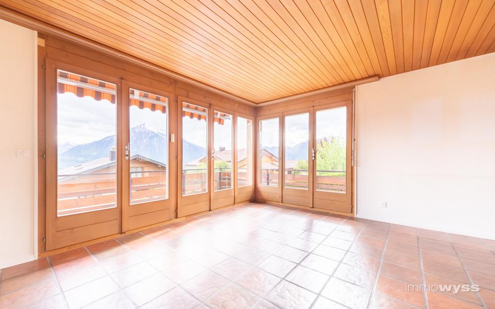Sicht vom Wohnzimmer Richtung Niesen