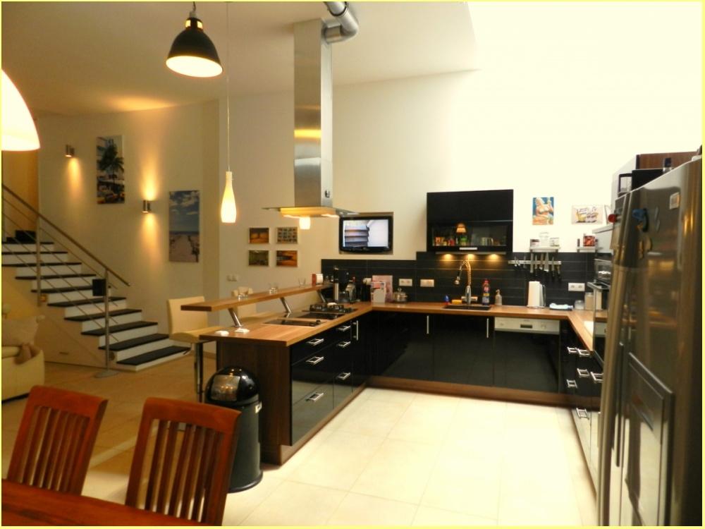 Blick auf offene Küche