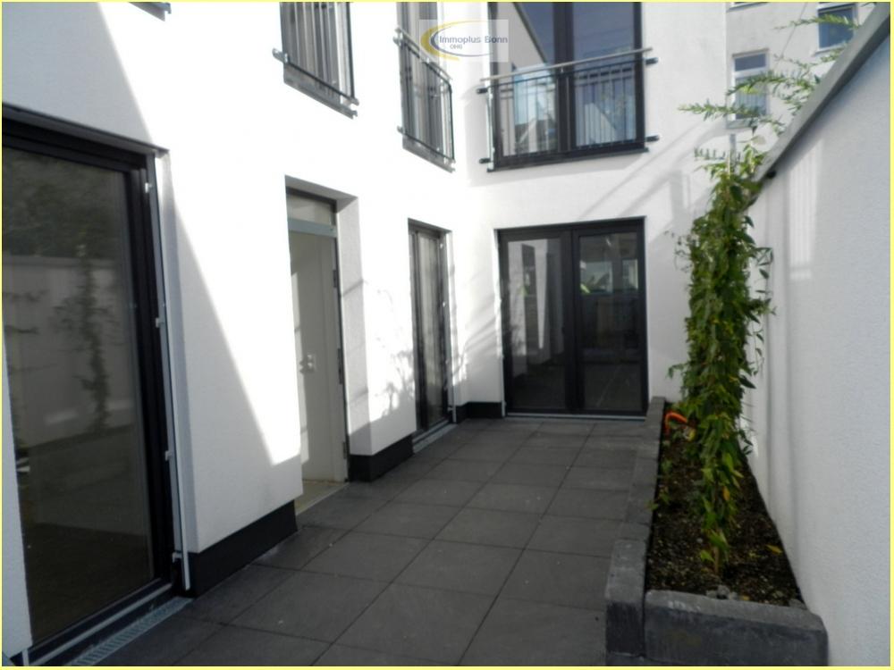 Eingang mit 2. Terrasse