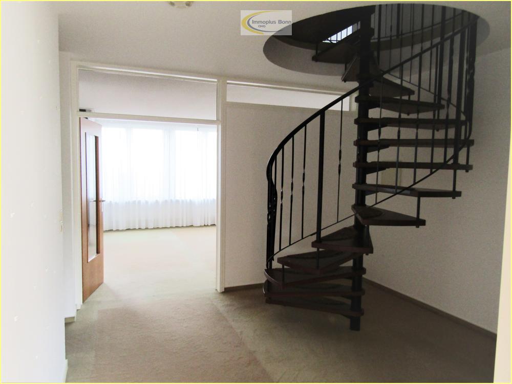 Wendeltreppe zum  Obergeschoss