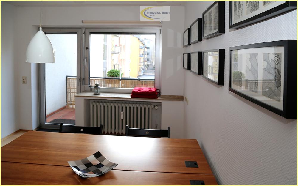 Zimmer mit Zugang zum Balkon
