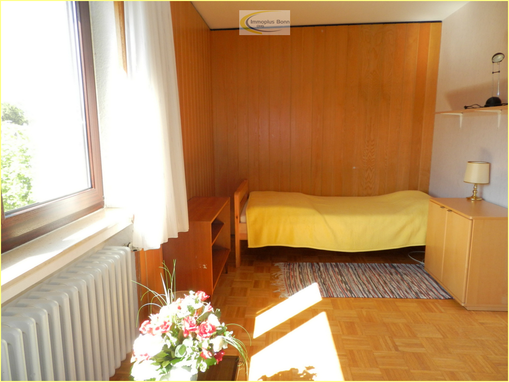 1.OG Schlafzimmer 1