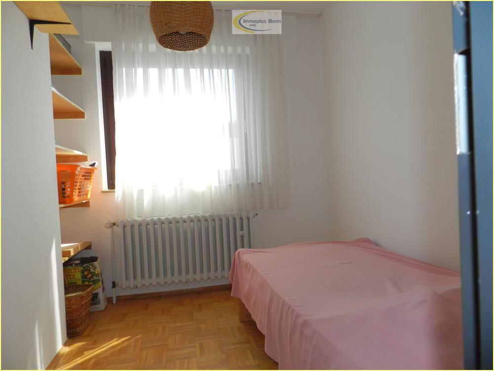 1.OG Schlafzimmer 2
