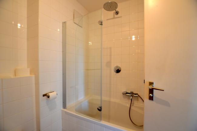 neue Duschwand