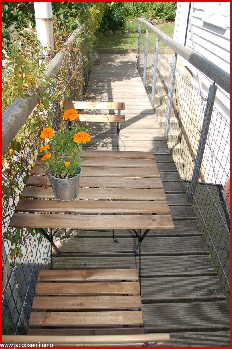 Holzsteg zum Hinterhaus
