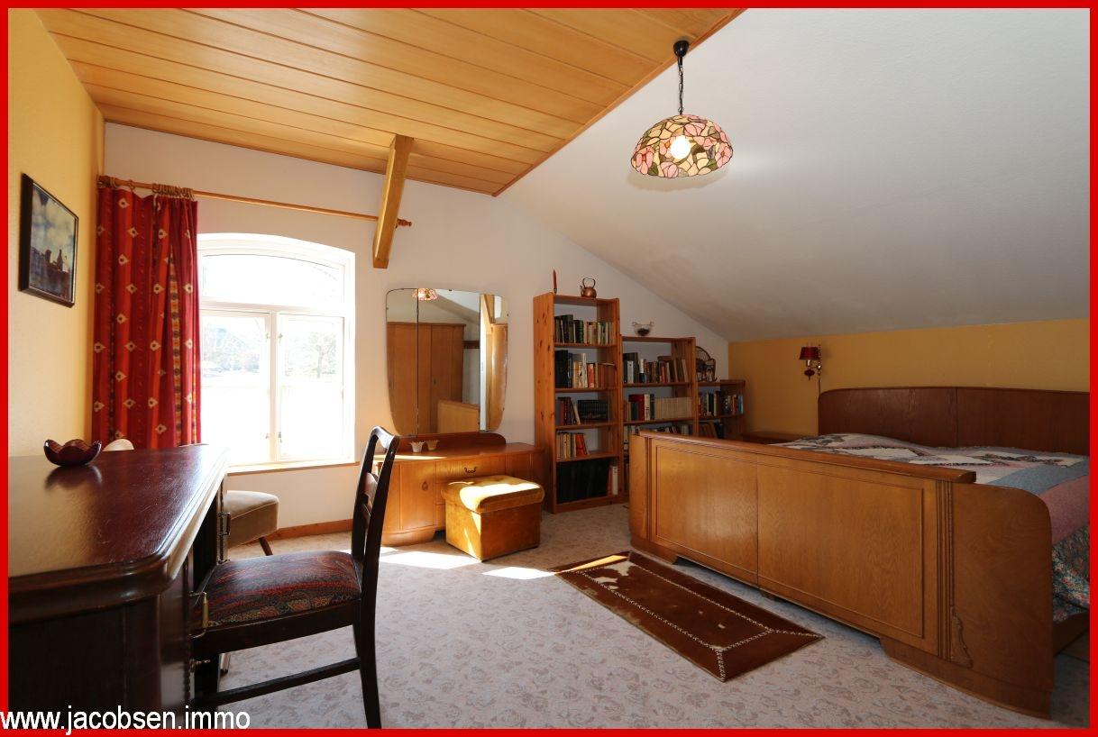 Schlafzimmer II im Dachgeschoss