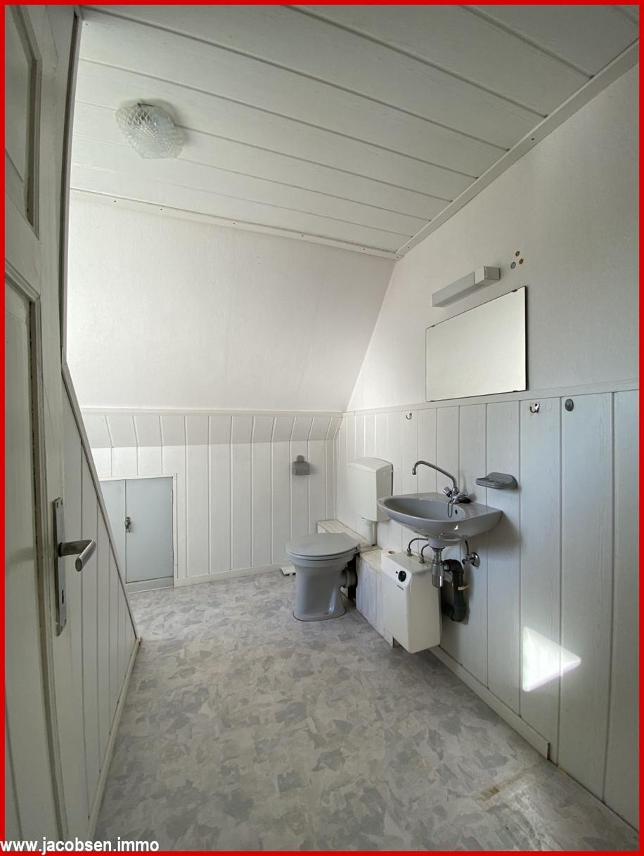 ELW WC im Dachgeschoss