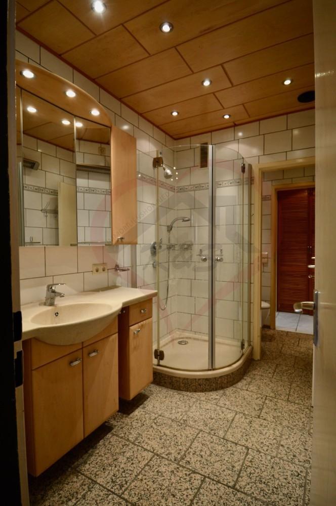 Badezimmer (1)