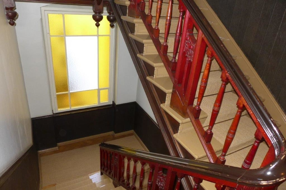 Treppenhaus_zum_Fenster_Uhland_18+24 (2)