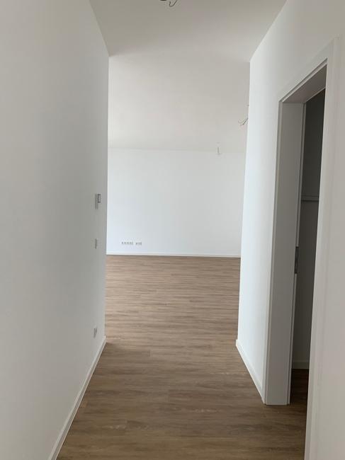 Flur von Küche Richtung Wohnzimmer