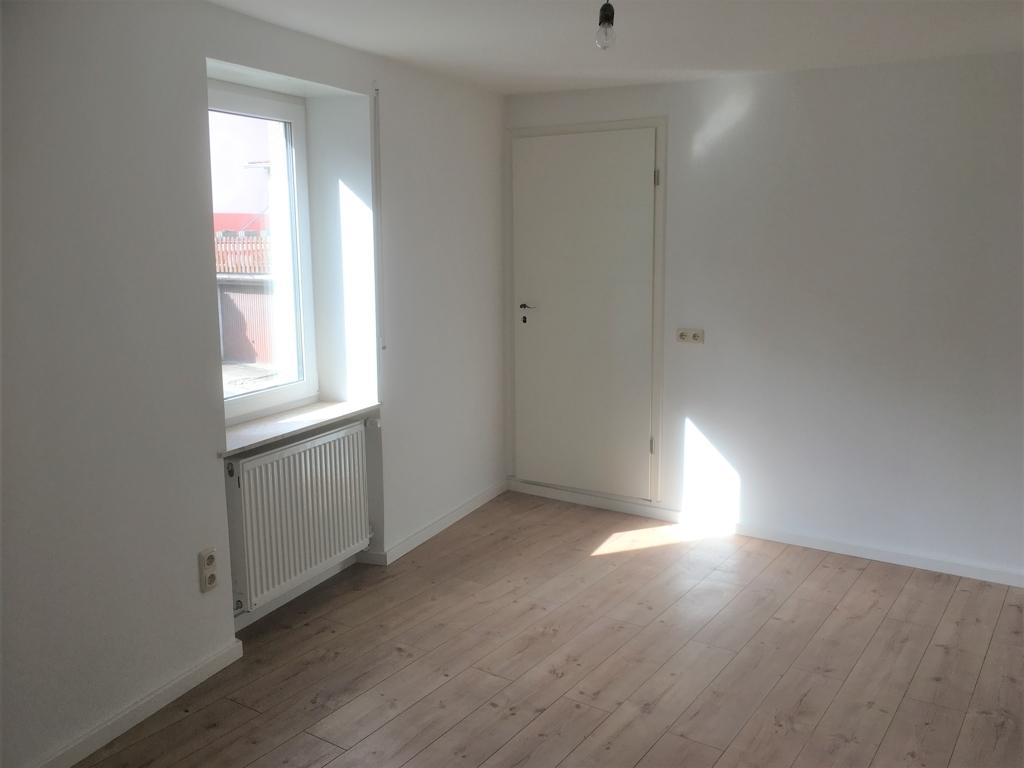 Zimmer 4, OG mit Zugang zur Ankleide