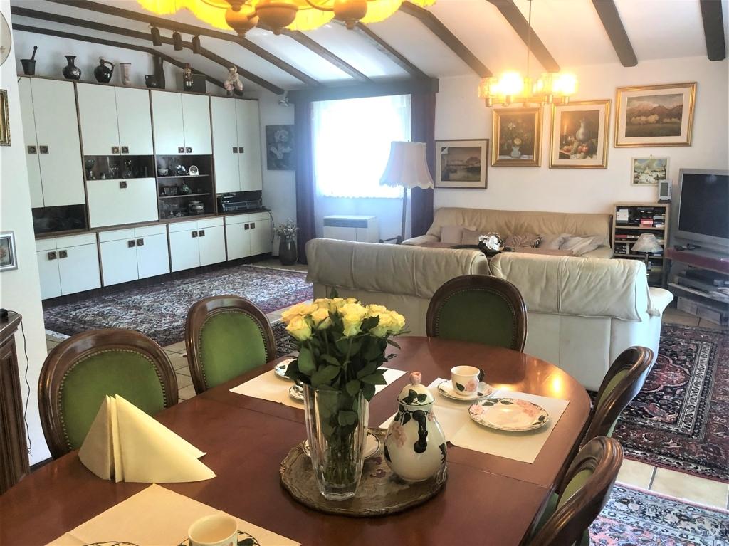 Essecke-Wohnzimmer