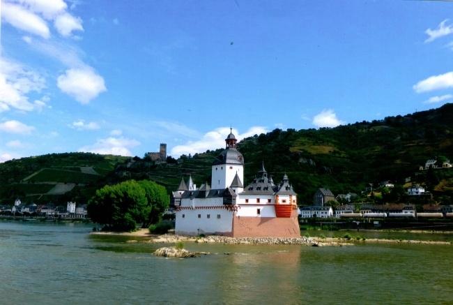 Pfalz bei Kaub, Blick von der Rheinhöhe