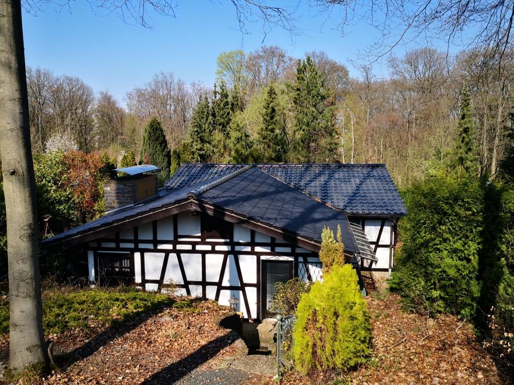 Haus in der Herbstsonne