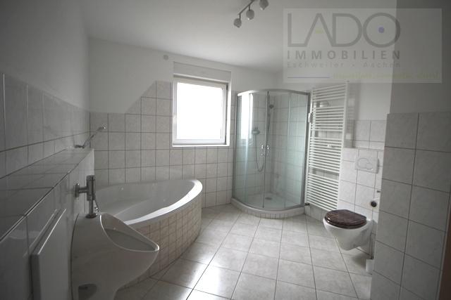 Badezimmer groß 2