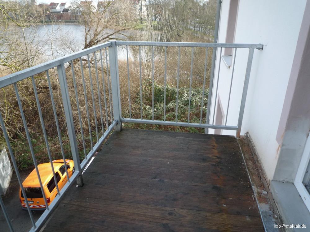 Balkon 1 (vom Wohnzimmer)