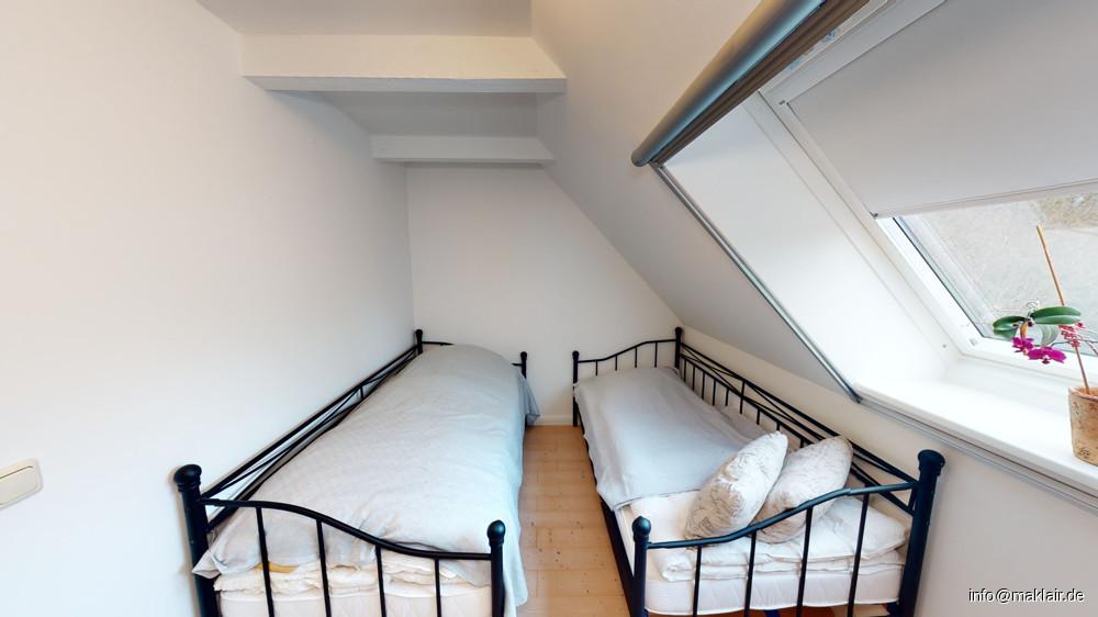 kleines Zimmer, OG (2)