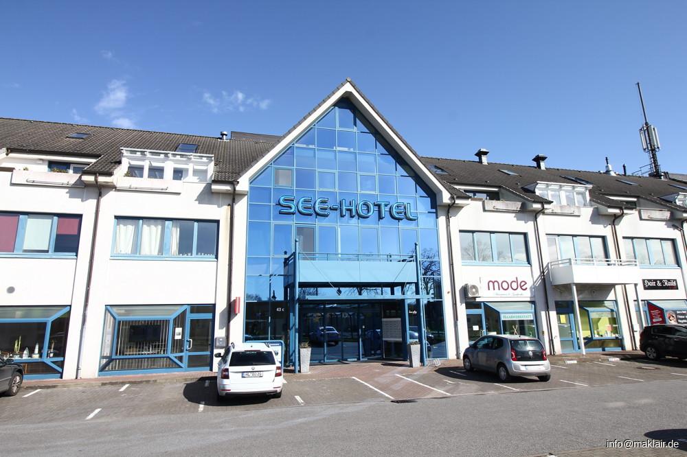 Eingang Gebäude