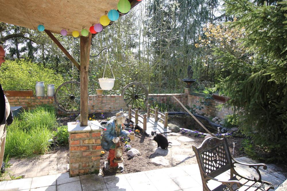 Garten Teich  mit Sitzecke