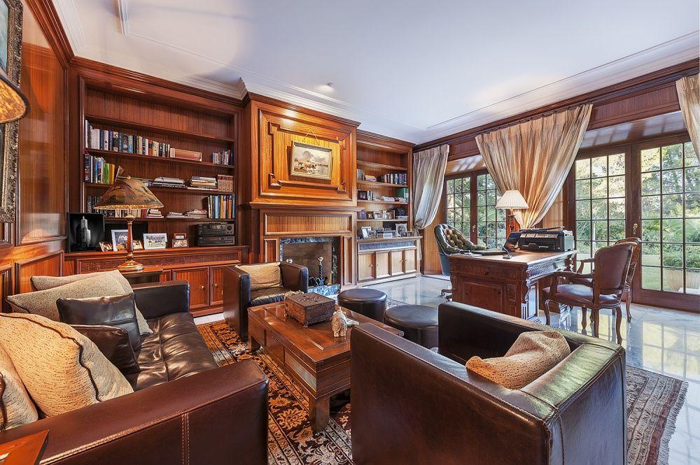 Office of the Villa in Son Vida
