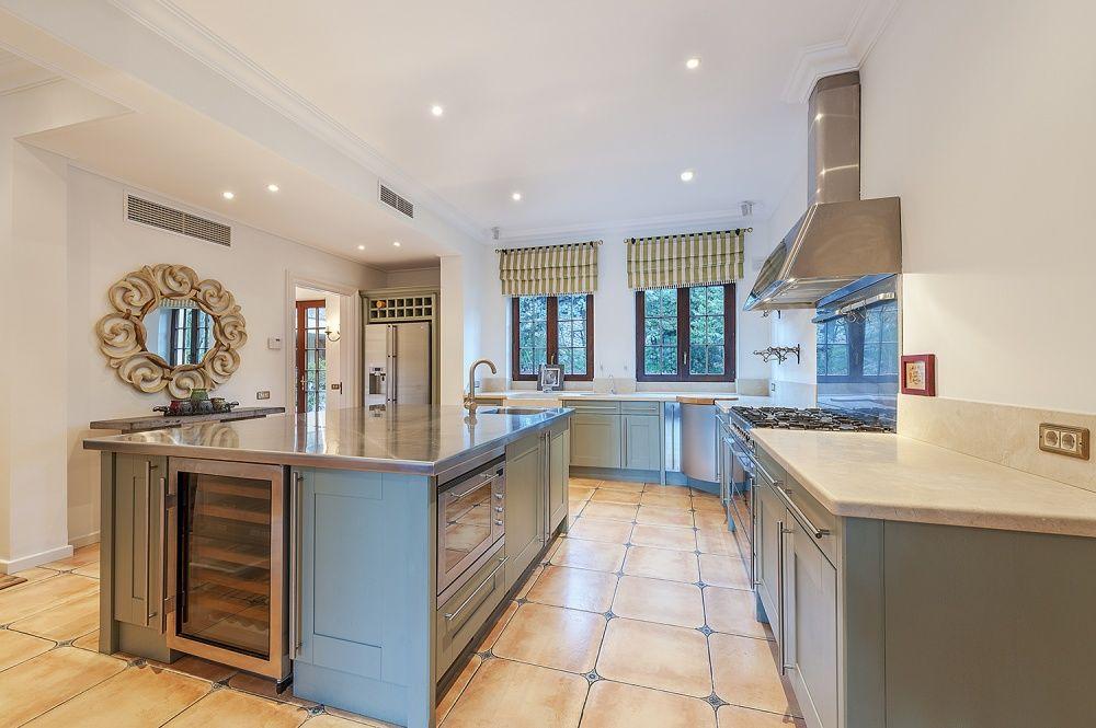 Kitchen of the Villa in Son Vida