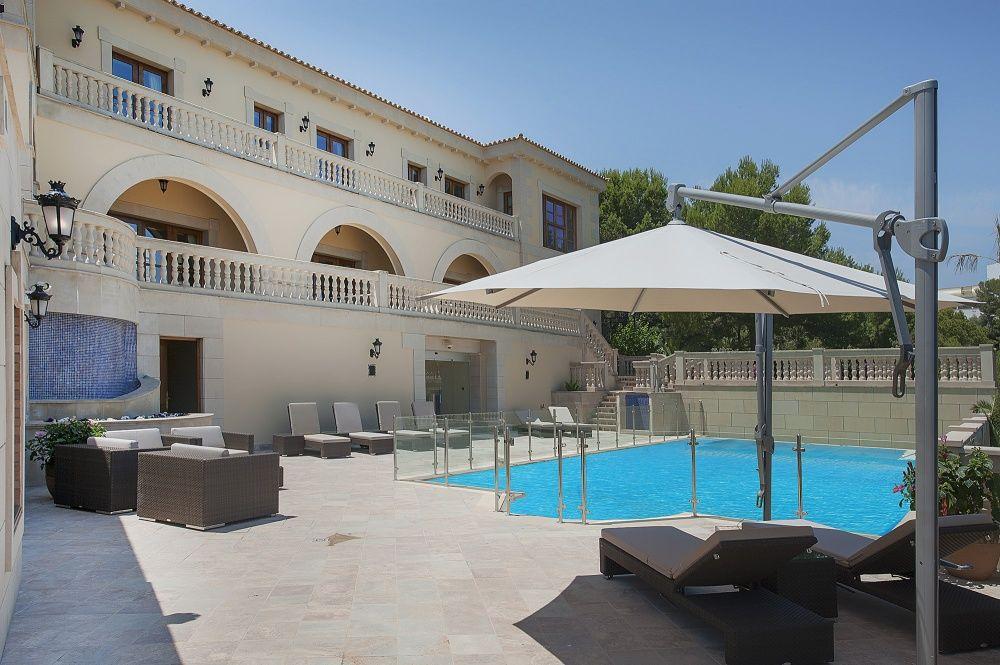 Terrasse un Pool of the villa in Sol de Mallorca