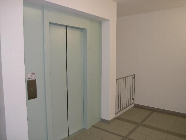 1745-Fahrstuhl 2