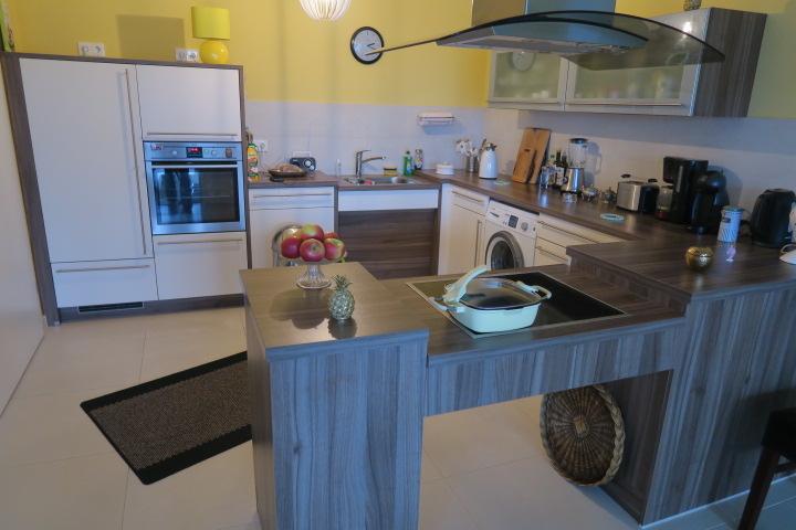 2719-Einbauküche - bewohnt