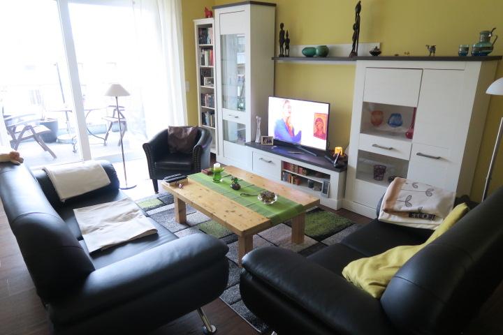 2719-Zimmer 1 Wohnbereich möbliert Ansicht 2
