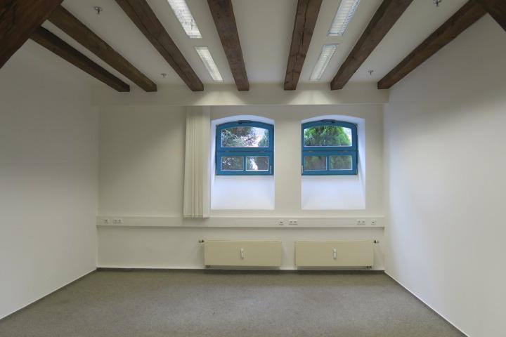 0549-Beispiel Büro 1