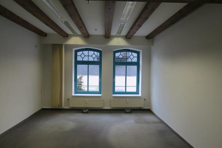 0549-Beispiel Büro 2