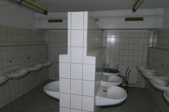 3163-Waschräume alt