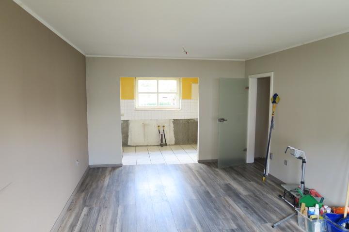 3276-Wohnzimmer Blick zur Küche