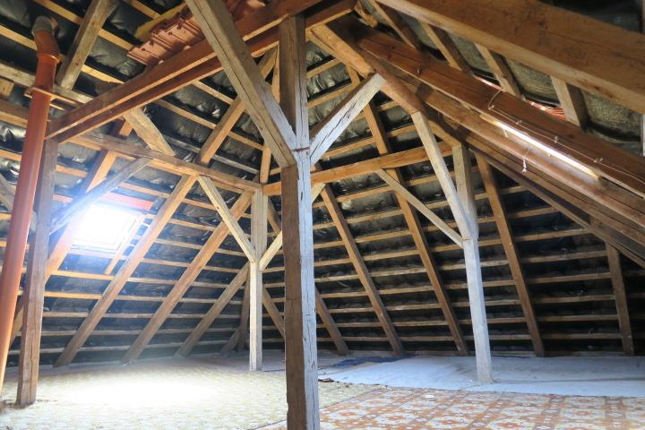 3290-Dachboden