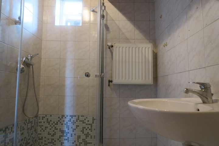 3290-Duschbad unten