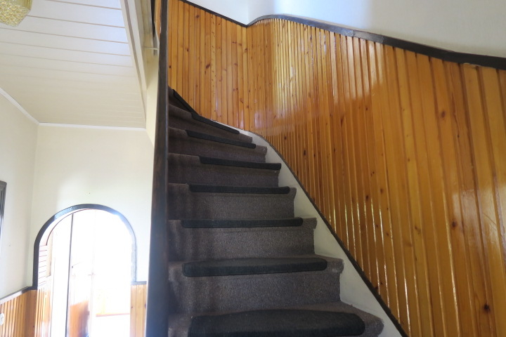 3290-Treppe zum OG