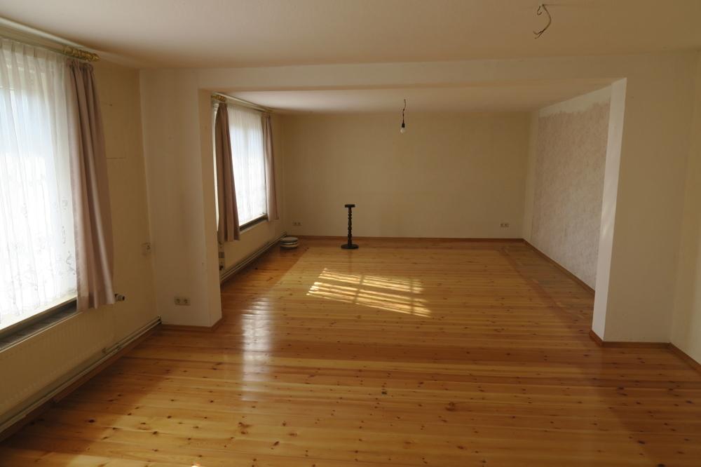 3366- E 2 - Wohnzimmer