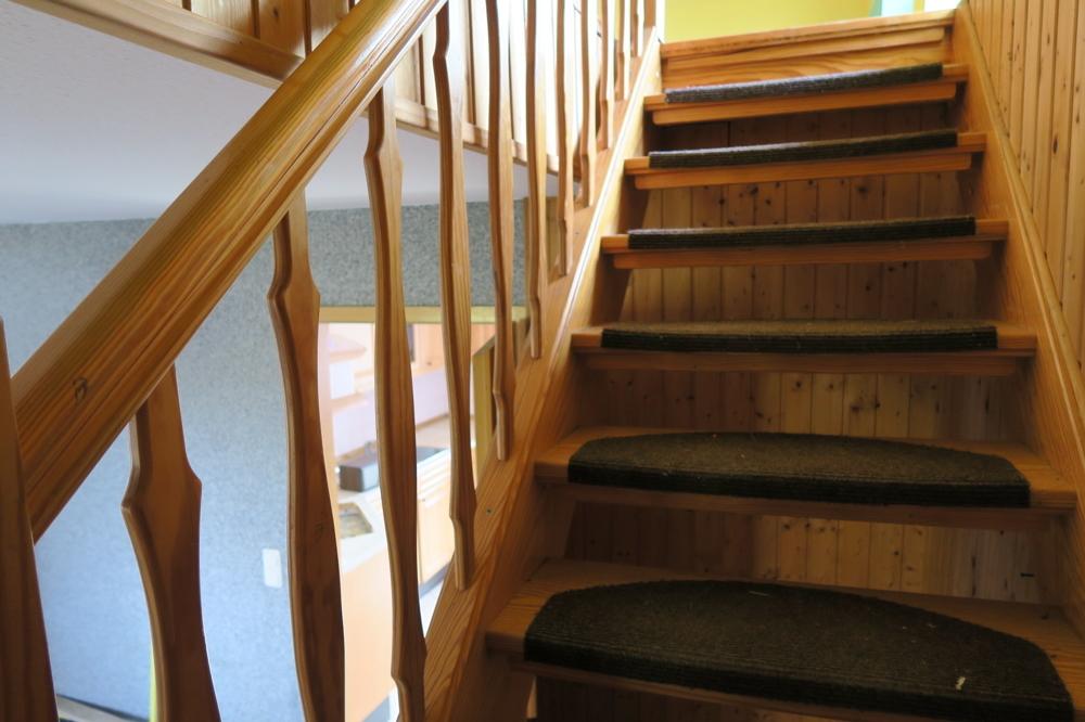 3366- E 1 - Treppe zum Obergeschoss
