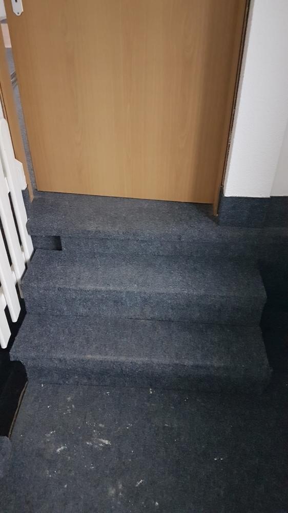 3375-Treppe zwischen Raum 1 und 2