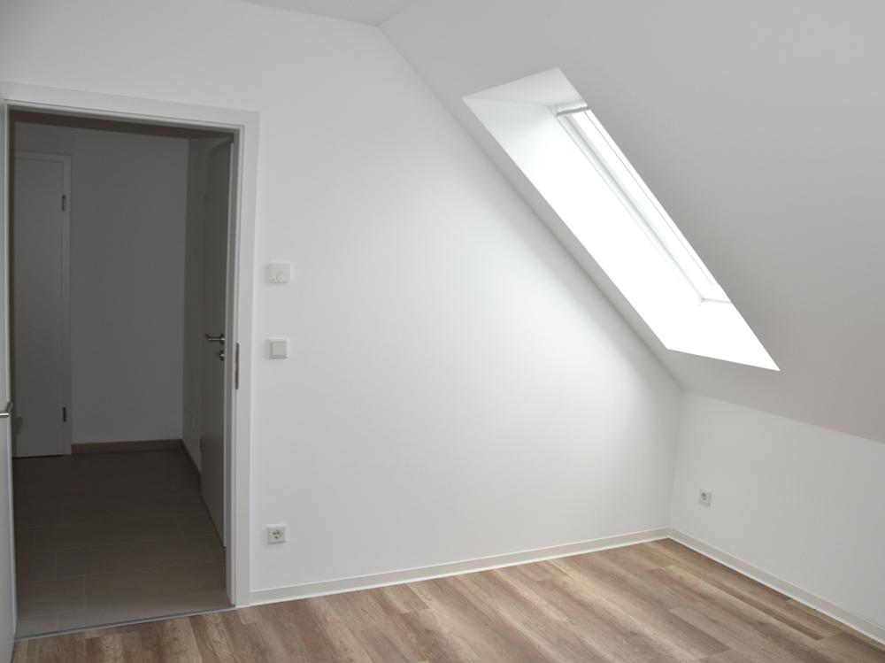 Zimmer (Whg DG)