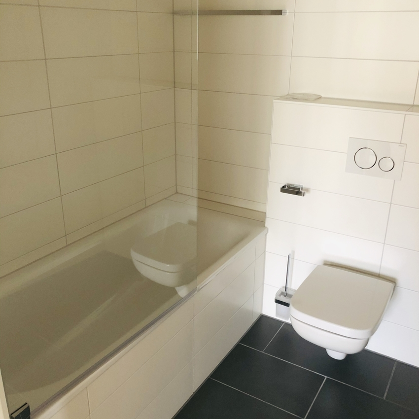 Badezimmer 3-Zimmer rechts