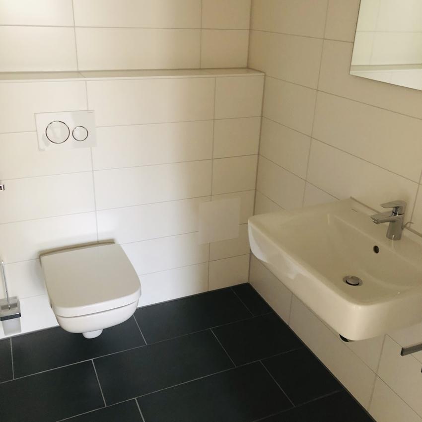 Badezimmer 3-Zimmer rechts (2)
