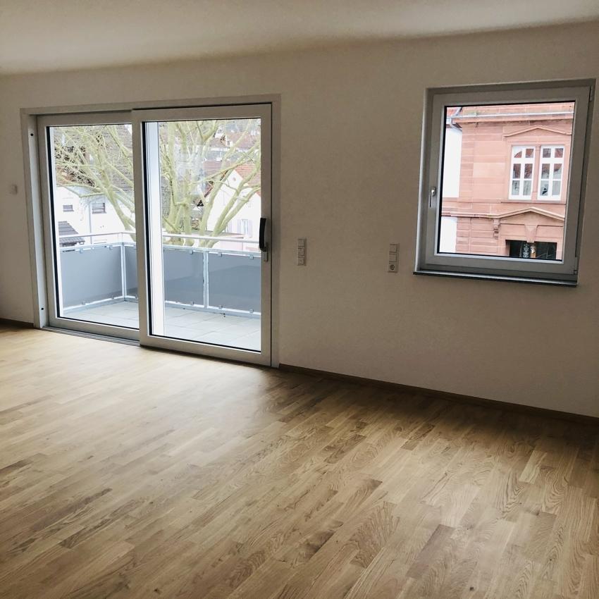 Wohnzimmer 3-Zimmer rechts (2)