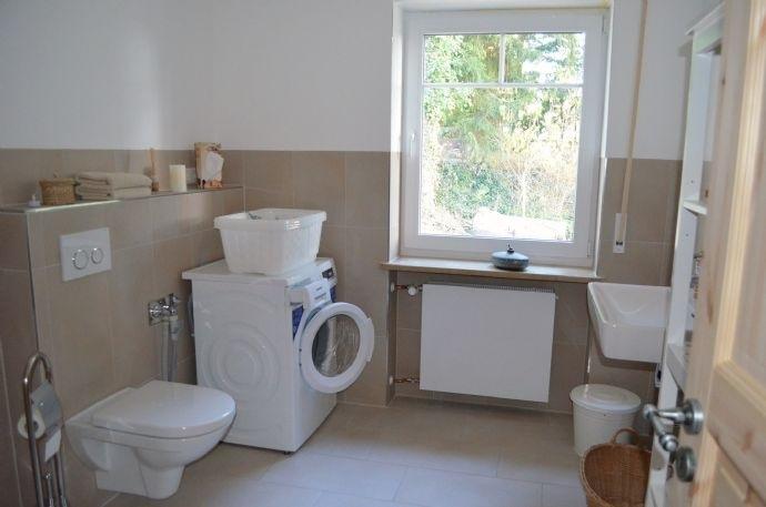 Bad m. Waschmaschinenanschluss