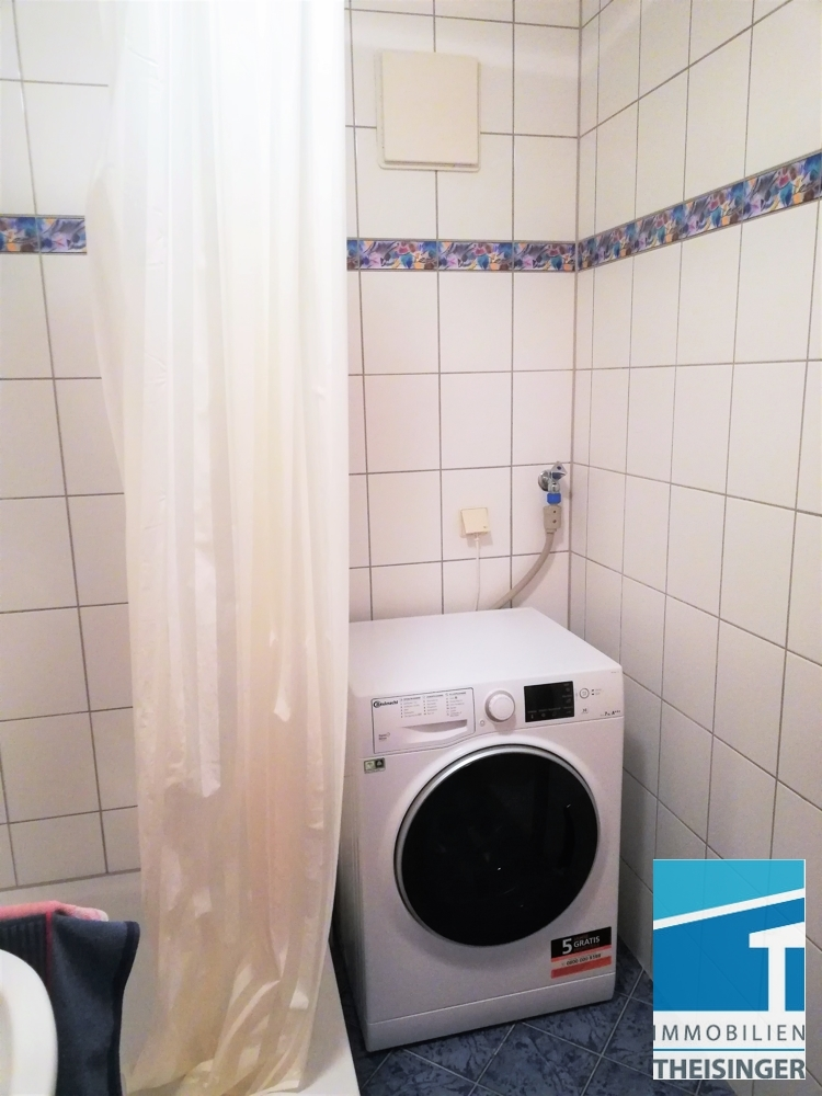 Badezimmer m. Waschmaschinenanschluss
