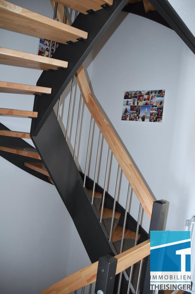 Diele Treppe ins OG