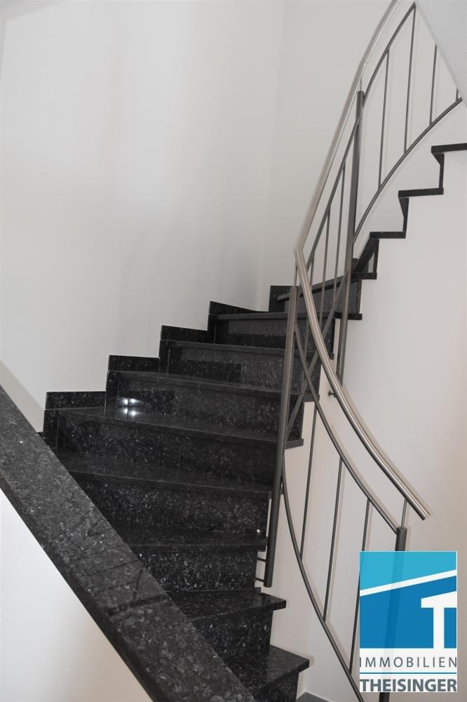 2 Treppe ins OG
