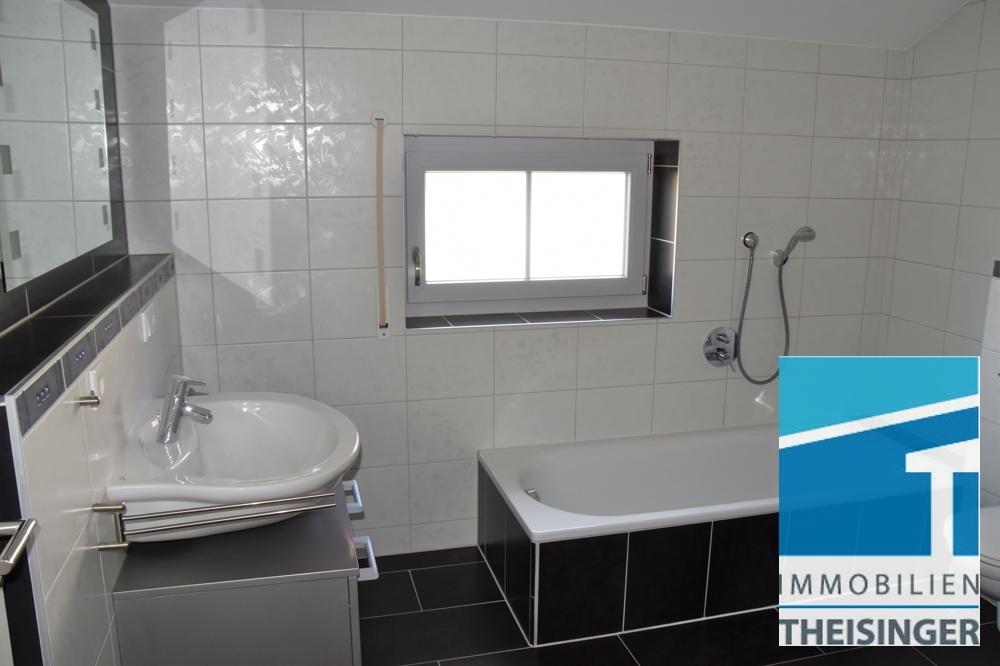 4 Badezimmer mit Fenster