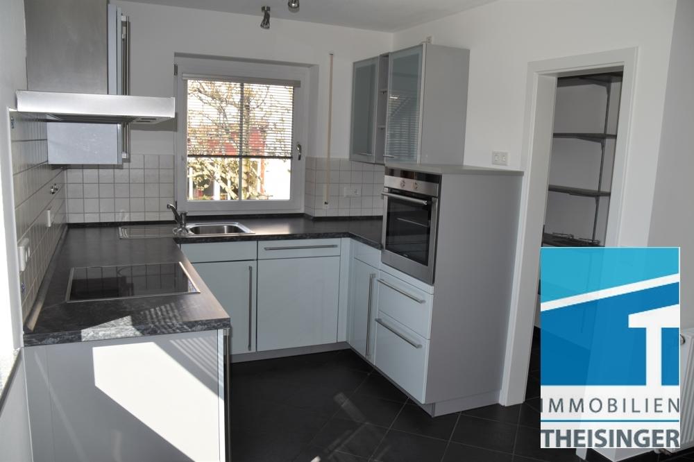 Küche mit Sicht Abstellkammer